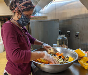 Cover photo for Robin Hood's Kitchen Converts Food Waste to Meals for Food Pantry